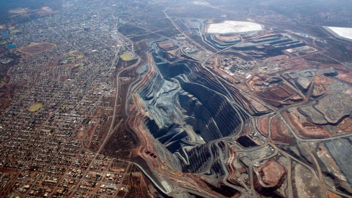 super_pit_kalgoorlie_western_australia.j
