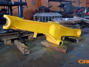 Ремонт опоры подшипника переднего моста экскаватора Case 580 SM