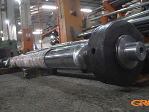 Изготовление колонны для узла смыкания термопластавтомата (ТПА)