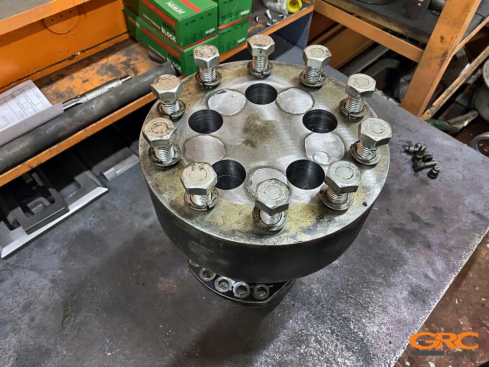 Восстановление отверстий ступицы и гидромотора