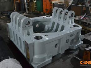 Модификация подвижной плиты узла смыкания термопластавтомата YIZUMI UN800A2