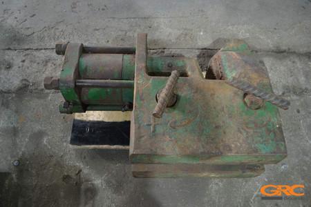 Ремонт шпунтового зажима вибропогружателя