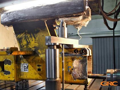 Процесс ремонта сваебойной установки