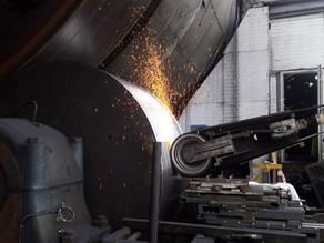 Шлифовка бандажей сушильного барабана железорудного концентрата Оленегорского ГОКа