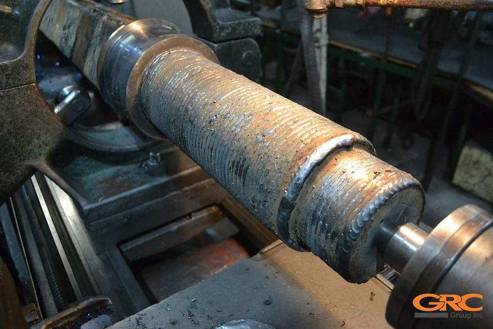 Наплавка подготовленной поверхности специально подобранным материалом с соблюдением температурного режима