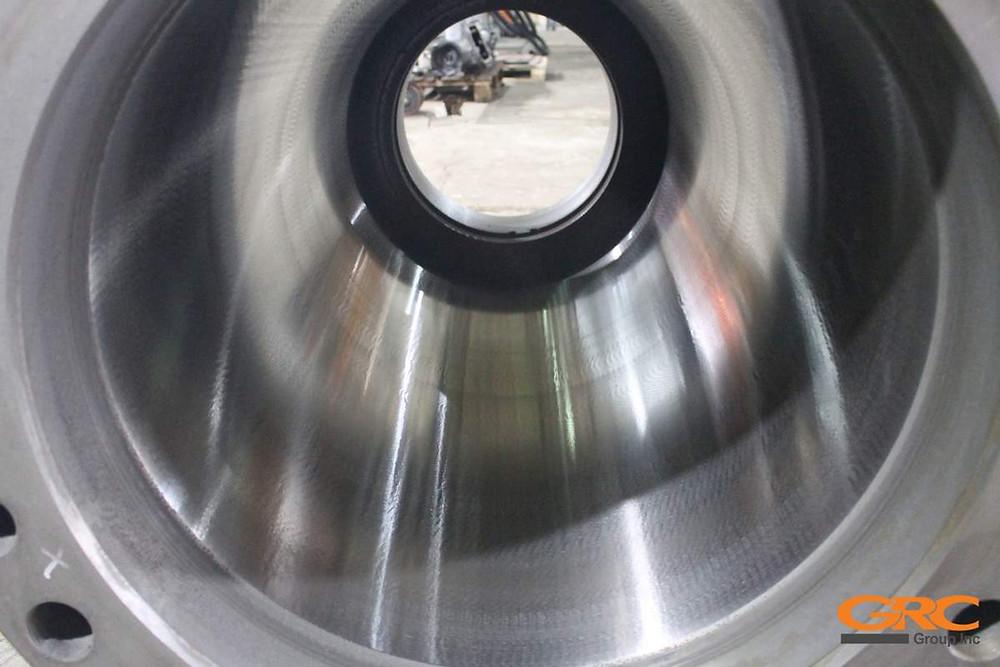 Внутренний диаметр гильзы гидроцилиндра реза Akros-Henschel после шлифовки