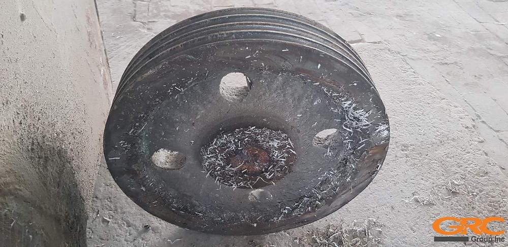 Шкив дробилки полимеров до ремонта