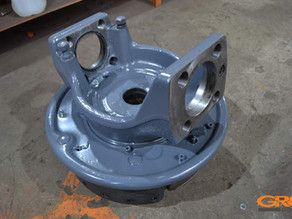 Восстановление проушин поворотного кулака аэродромного тягача TUG 50