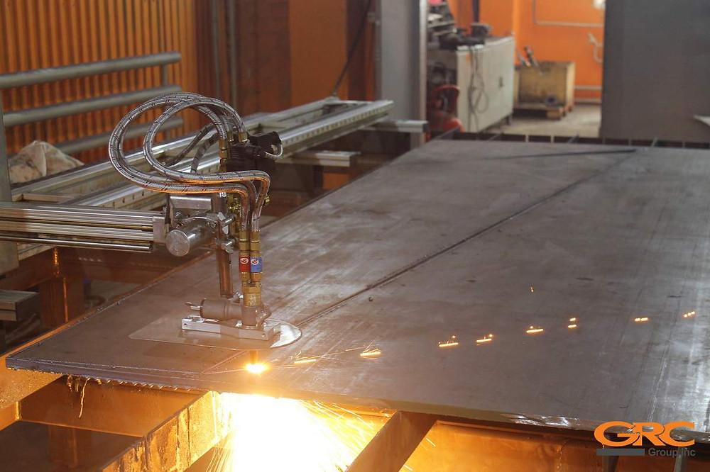 Для производства усиливающих элементов прорабатывается конструкторская документация и применяется плазменная или гидроабразивная резка.