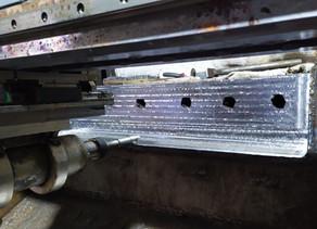 Фрезерная обработка поверхности постелей пресс-ножниц на выезде