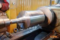 устанавливаем заготовку на токарный станок и протачиваем в рабочий размер