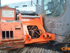 Ремонт крепления стрелы экскаватора Hitachi ZX-240