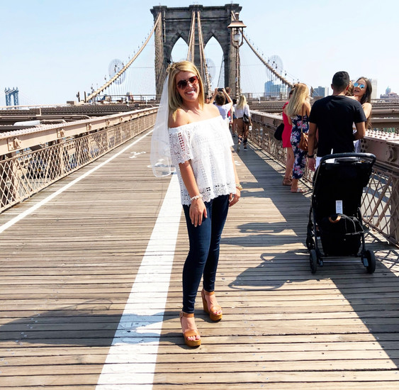 Amanda on Brooklyn Bridge