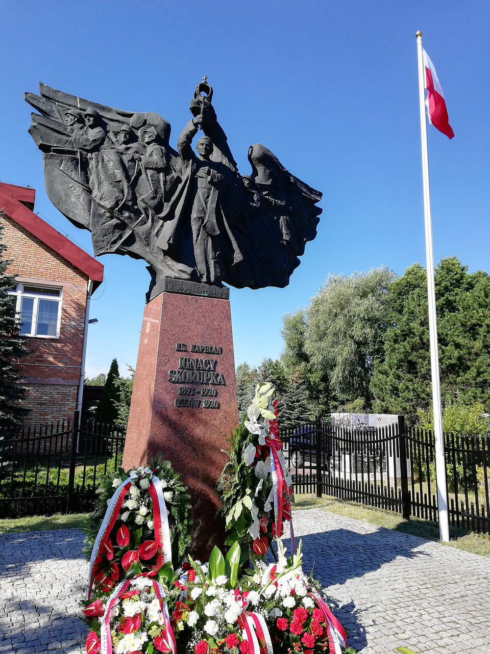 Pomnik w Ossowie