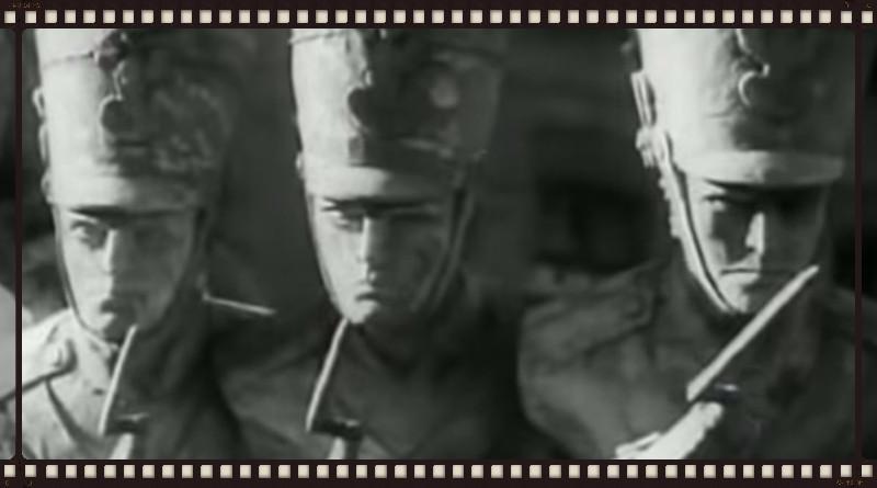 Podchorążacy w Komorowie. Kadr filmowy.