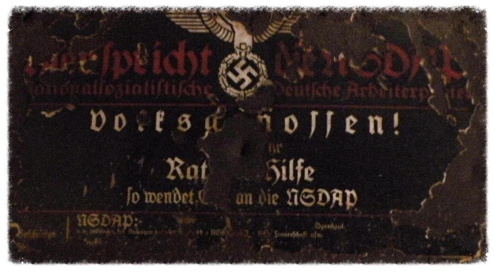Jedna z tablic zachowanych na zamku