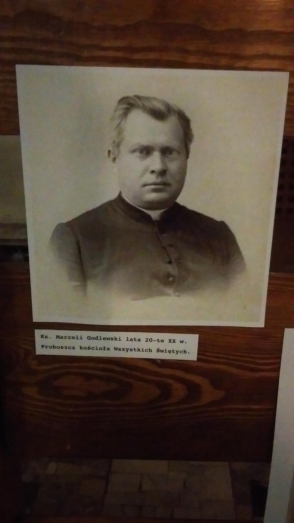 Ks. Godlewski. Wystawa w kościele Wszystkich Świętych