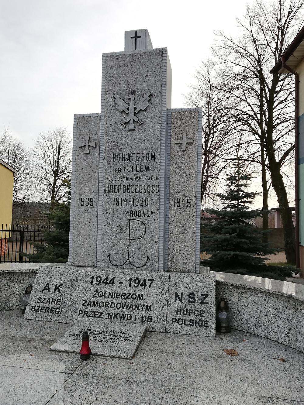 Pomnik w Mrozach