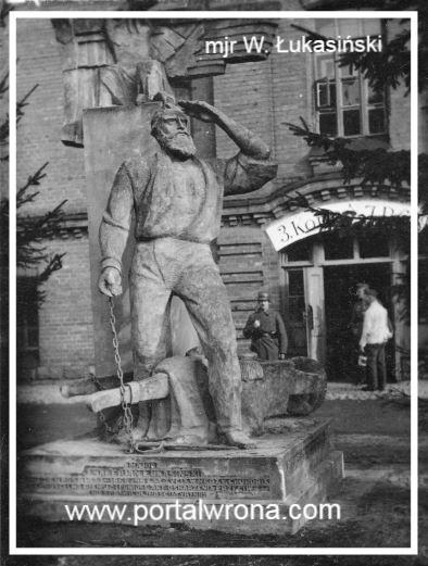Pomnik w czasie okupacji niemieckiej
