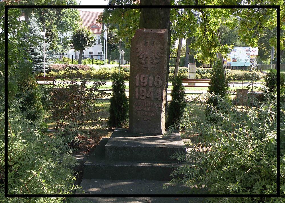 Obelisk w Ostrowi Maz.