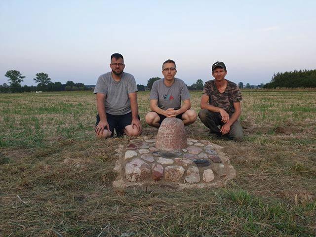Odnowiony kamień Radomana