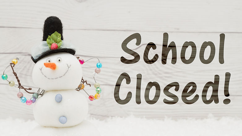 School%20canceled%20message%2C%20A%20snowman%20with%20text%20School%20Closed%20on%20weathered%20wood