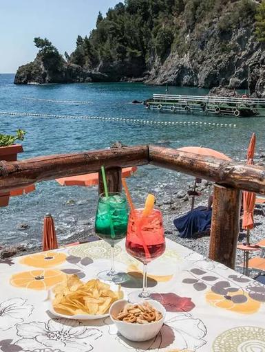 Aperitivi con vista mare Amalfi