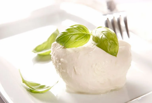 Mozzarella-di-bufala7675201.webp