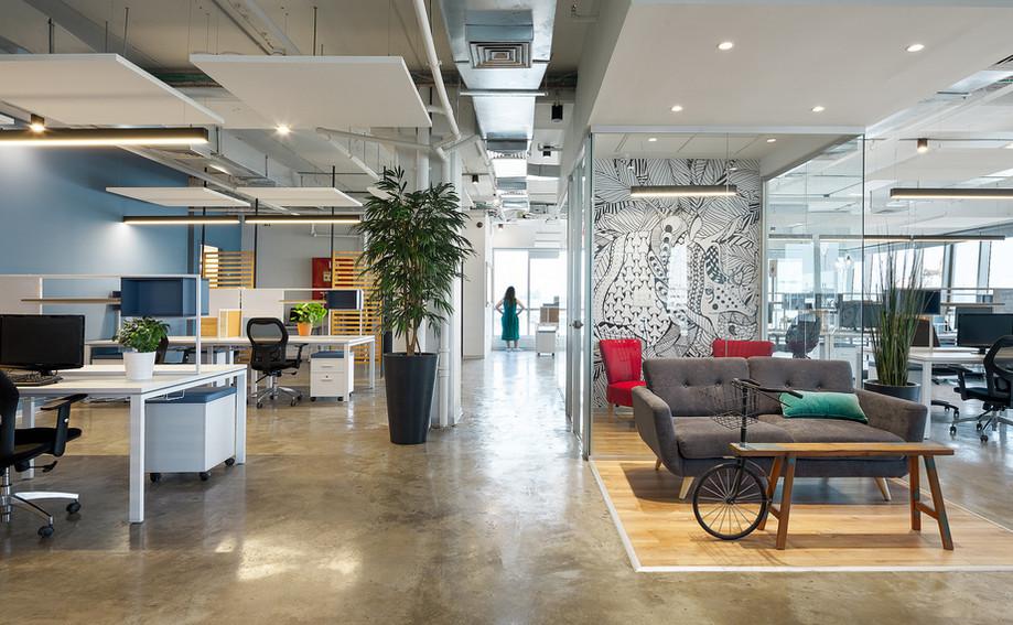CREW office. Design By T+R Studio