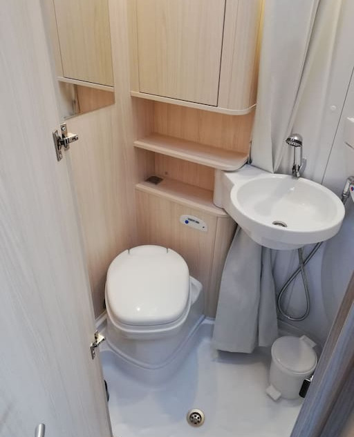 Toilet/bathroom