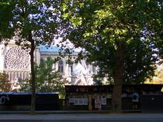 Bouquiniste, Paris 5e, France