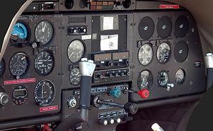 airplane-cockpit-1674074_1280.jpg