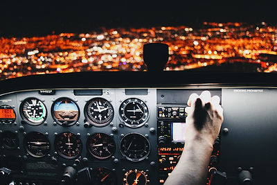 airplane-2566205_1280.jpg
