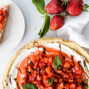 Strawberry Ricotta Cookie Pizza