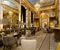 Hotel-de-crillon-featured.jpg