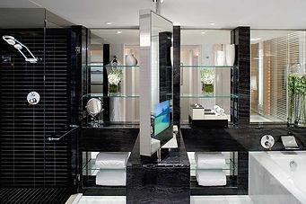 Mandarin Oriental bathroom HK.jpg
