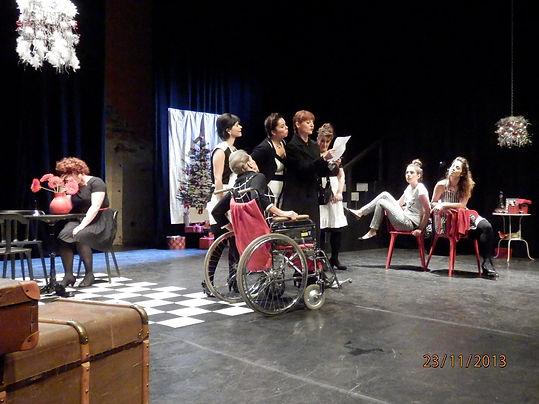 Huit Femmes.JPG