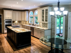 Kitchen with Walpaper-2892cs6.jpg