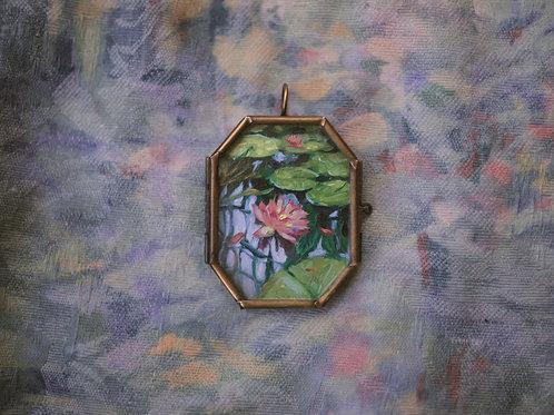 Lilies in Glass locket 🌺