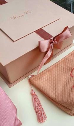 convite-box-nude-e-necessaire-2