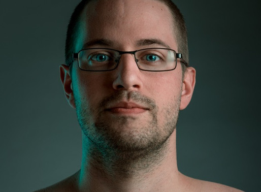 Cómo iluminar un retrato y lograr controlar al modelo que no es modelo.
