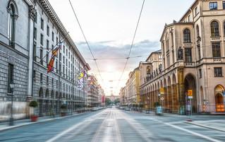 Maximilianstrasse am Morgen, 2014