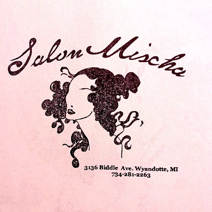 Salon%20Mischa_edited.jpg