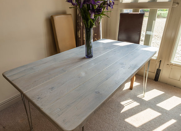 Scaffold wood kitchen table with hairpin legs