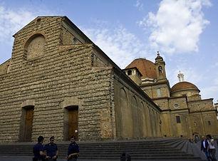 Basilica_of_San_Lorenzo_Florence_800.jpg
