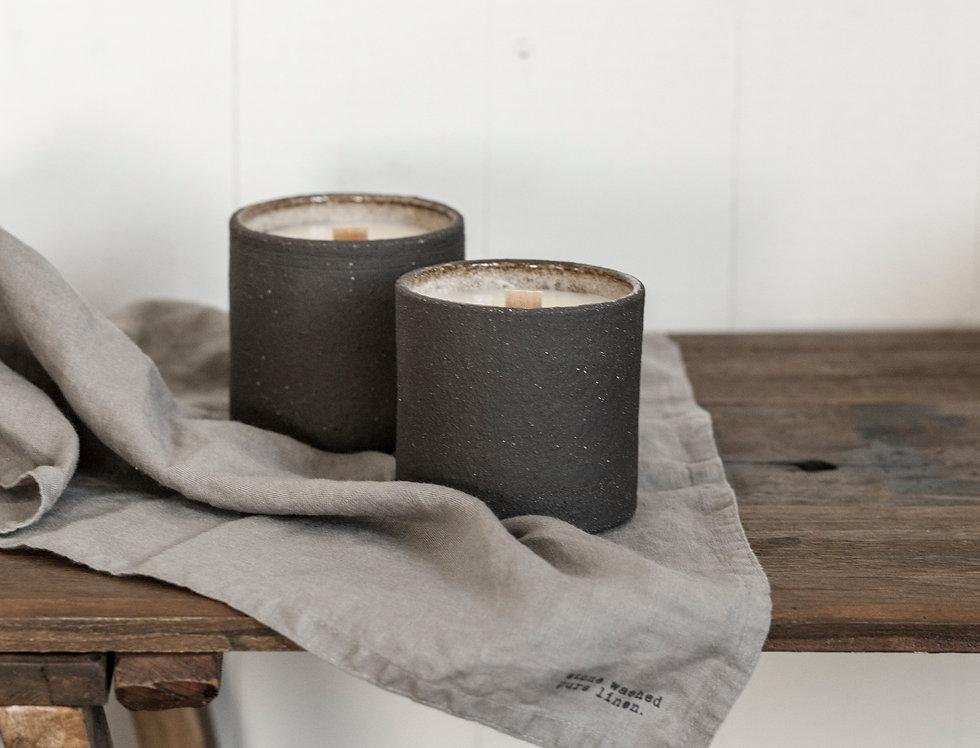 Świeca w ceramice NERO