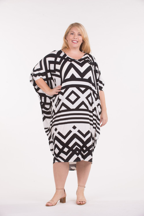 black and white miracle dress | merrollee plus size womens clothing