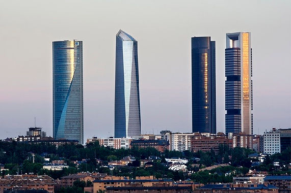 cuatro-torres-skyline.jpg