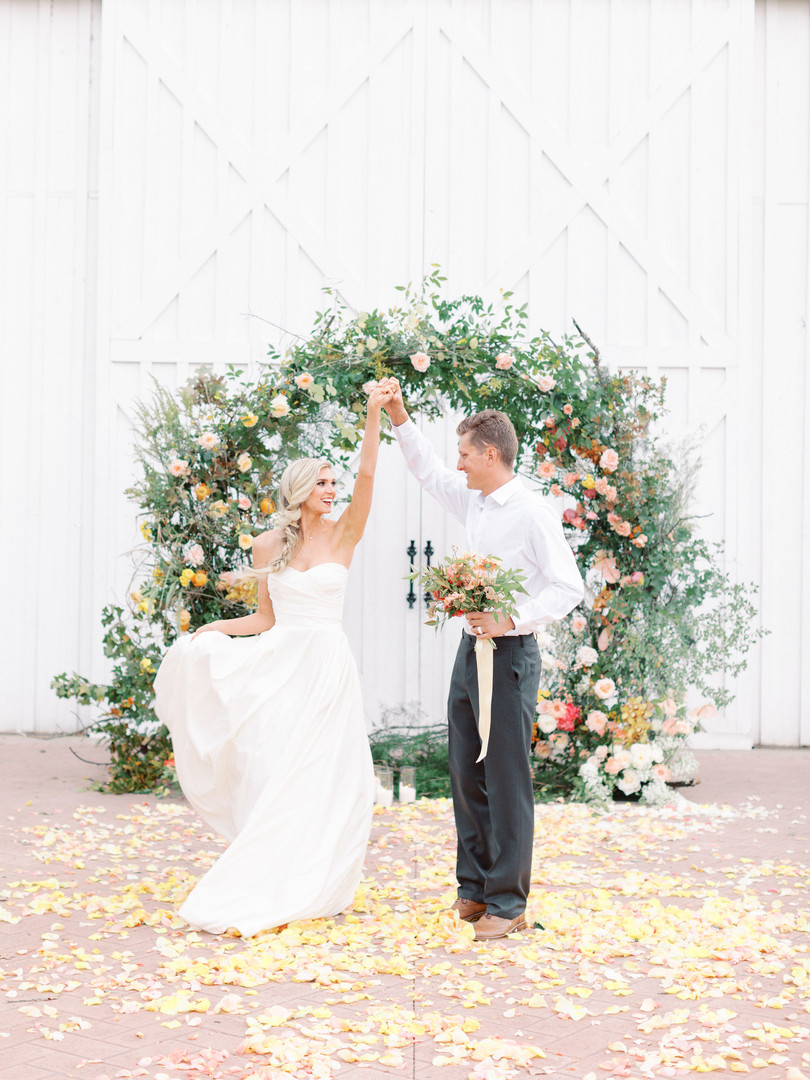 2019 Santa Clarita Florist wedding photo shoot. Los Angeles florist.