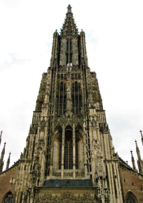 La Ulmer Münster es la iglesia más alta del mundo